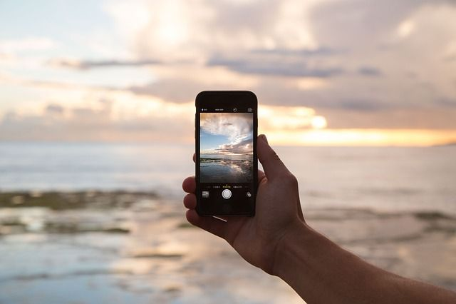 zeumic-mobile-friendly-websites-google's-biggest-change-ever-iphone-beach-photo